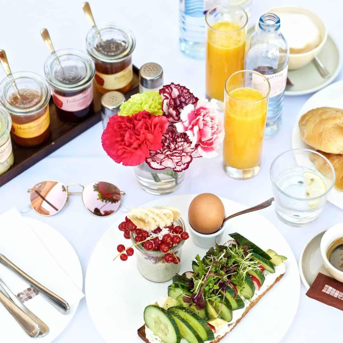 halle frühstück