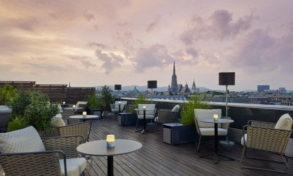 The Ritz-Carlton Vienna-Atmosphere Rooftop Bar