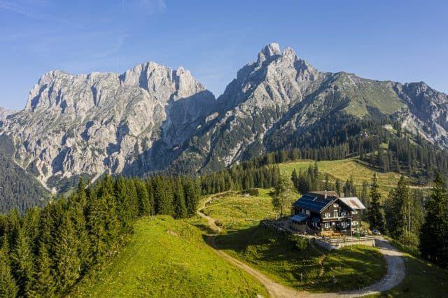 Gesäuse Mödlingerhütte Sommer