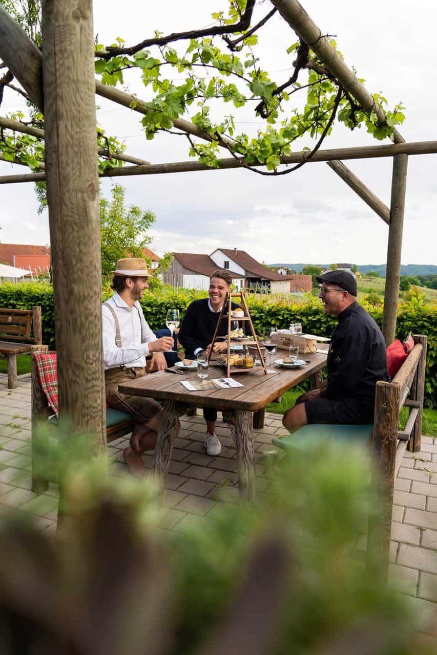 Zur Brettljause im Weingut Thaller, Sponsored (c) Manuel Hahn | 1000things