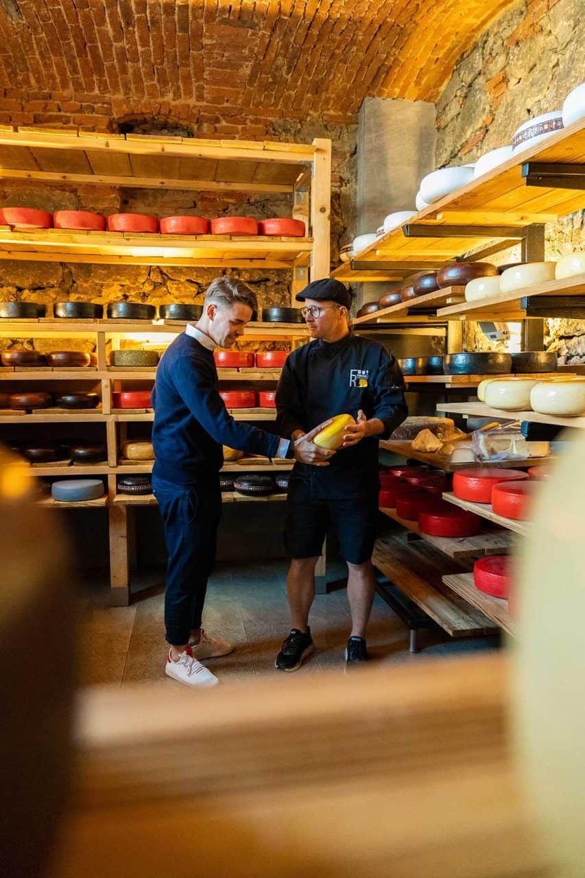 In der Fromagerie zu Riegersburg feinsten Käse genießen, Sponsored (c) Manuel Hahn | 1000things
