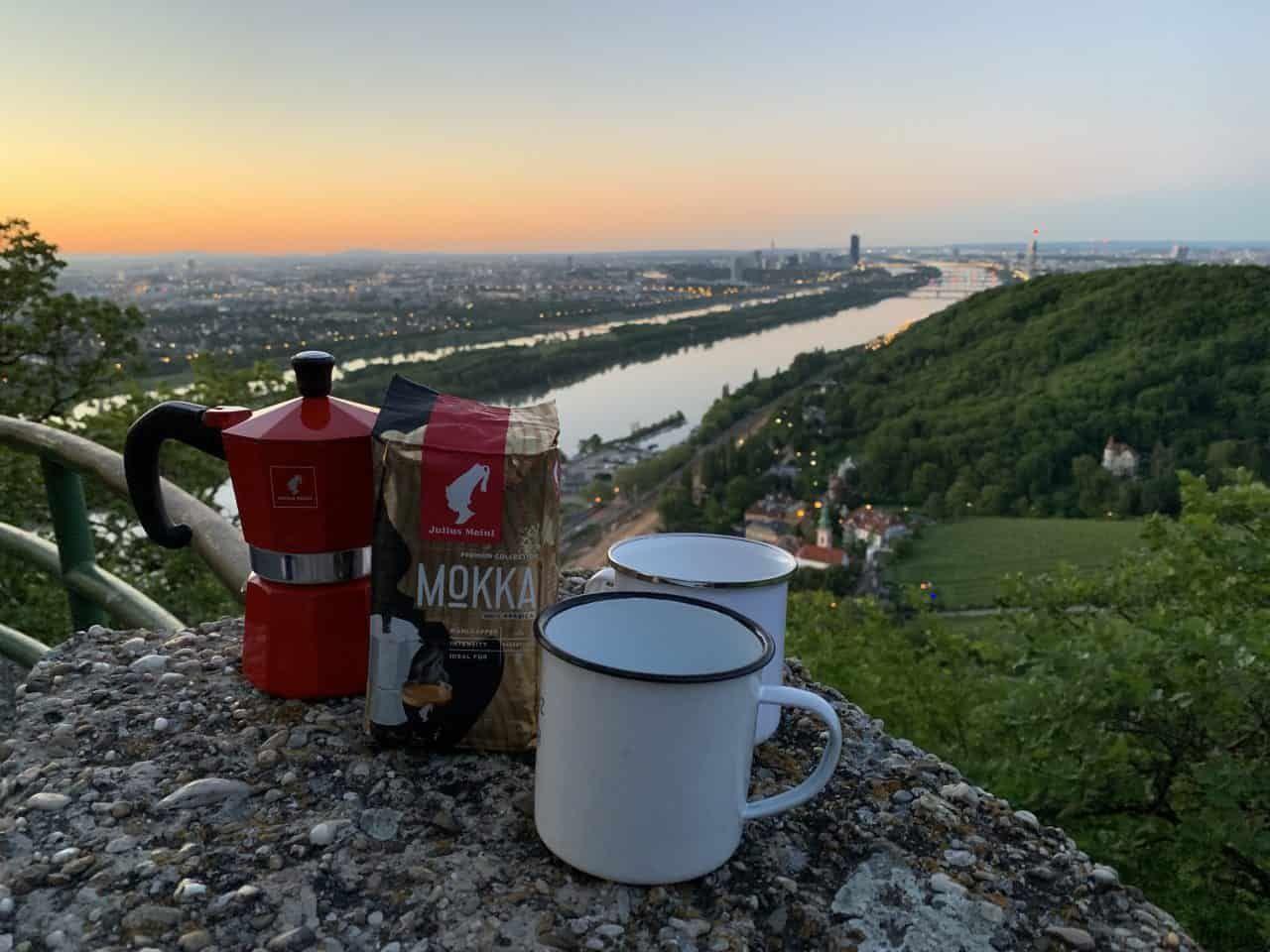 Kaffeegenuss über der Stadt, Sponsored (c) Lisa Oberndorfer | 1000things