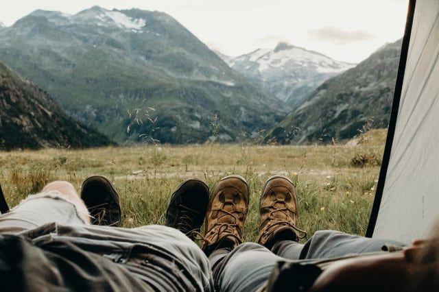 Camping (c) Kate Joie | Unsplash