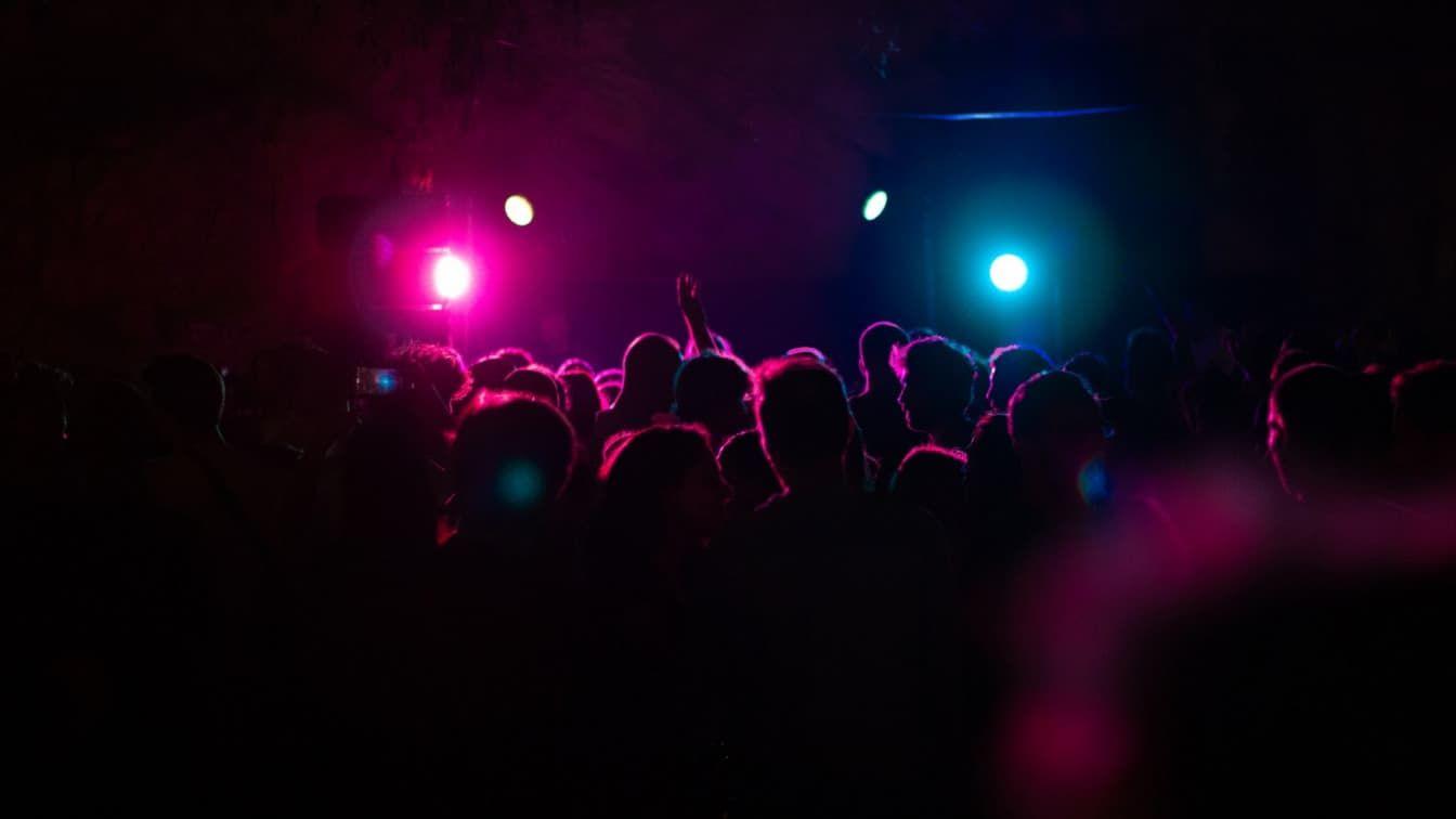 Club (c) Fred Moon | Unsplash