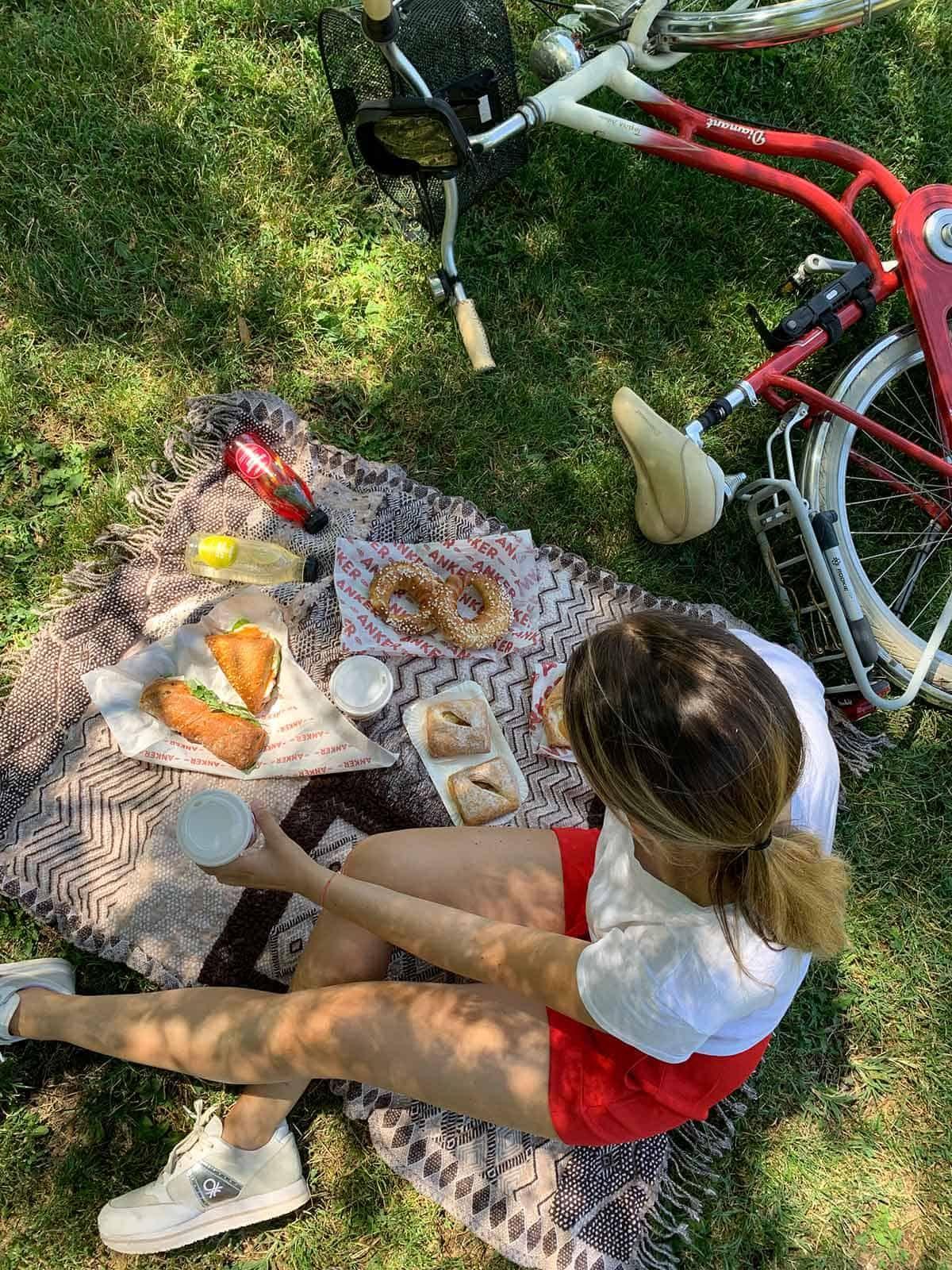 Gemütliches Picknick in der Prater Hauptallee genießen, Sponsored (c) Lisa Oberndorfer | 1000things