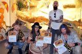 Die Band Rednex übernimmt eine Patenschaft für die Gila-Krustenechsen im Haus des Meeres | Pressefoto (c) Guenther Hulla | Haus des Meeres