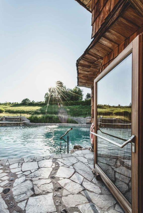 Entspannung pur im Outdoor-Pool vom Felsenbad (c) Robert Kittel