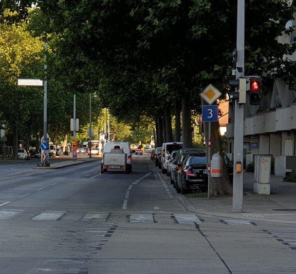 Der Radweg auf der Erzherzog-Karl-Straße