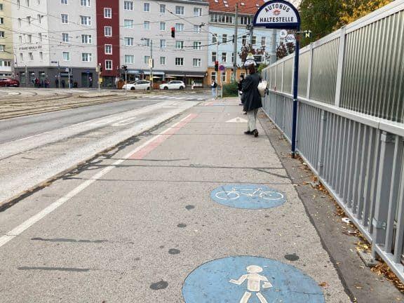 Schlechte Radwege in Wien: Philadelphiabrücke (c) Alissa Hacker | 1000things