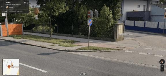 Ein Radweg in Vösendorf in Niederösterreich endet in einer Wiese (c) Google Maps | Screenshot: 1000things