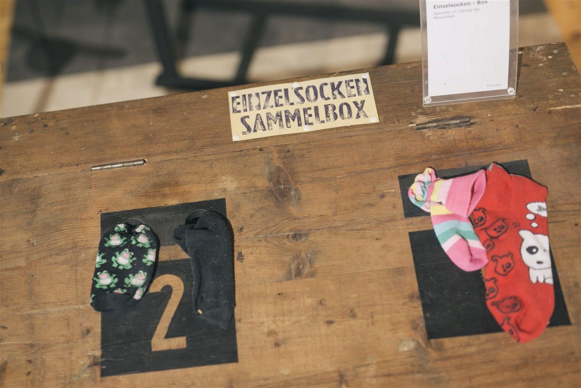 Nonseum Herrnbaumgarten: Sockenbox