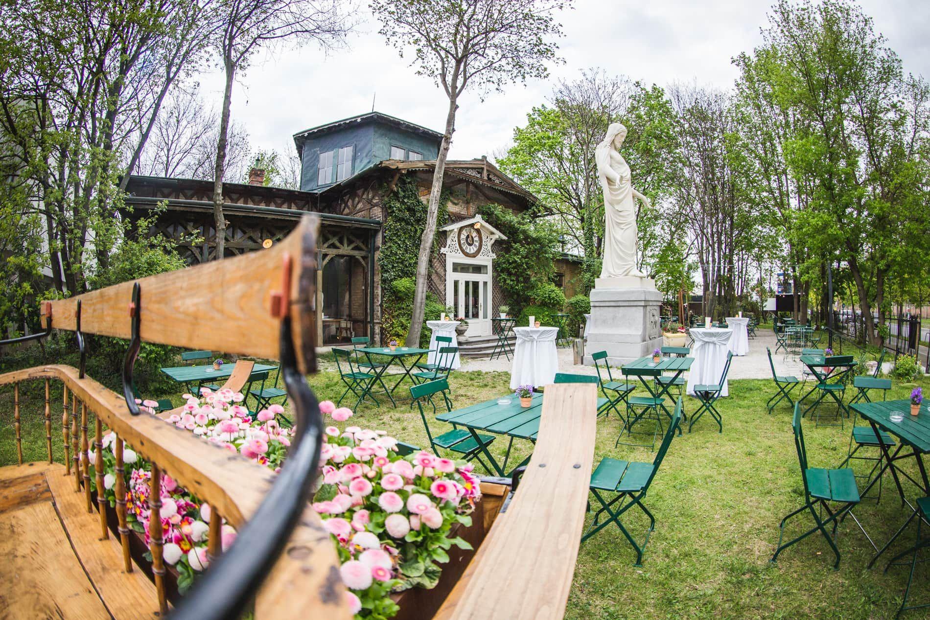 Schnitzel in Wien: Schloss Concordia Gastgarten