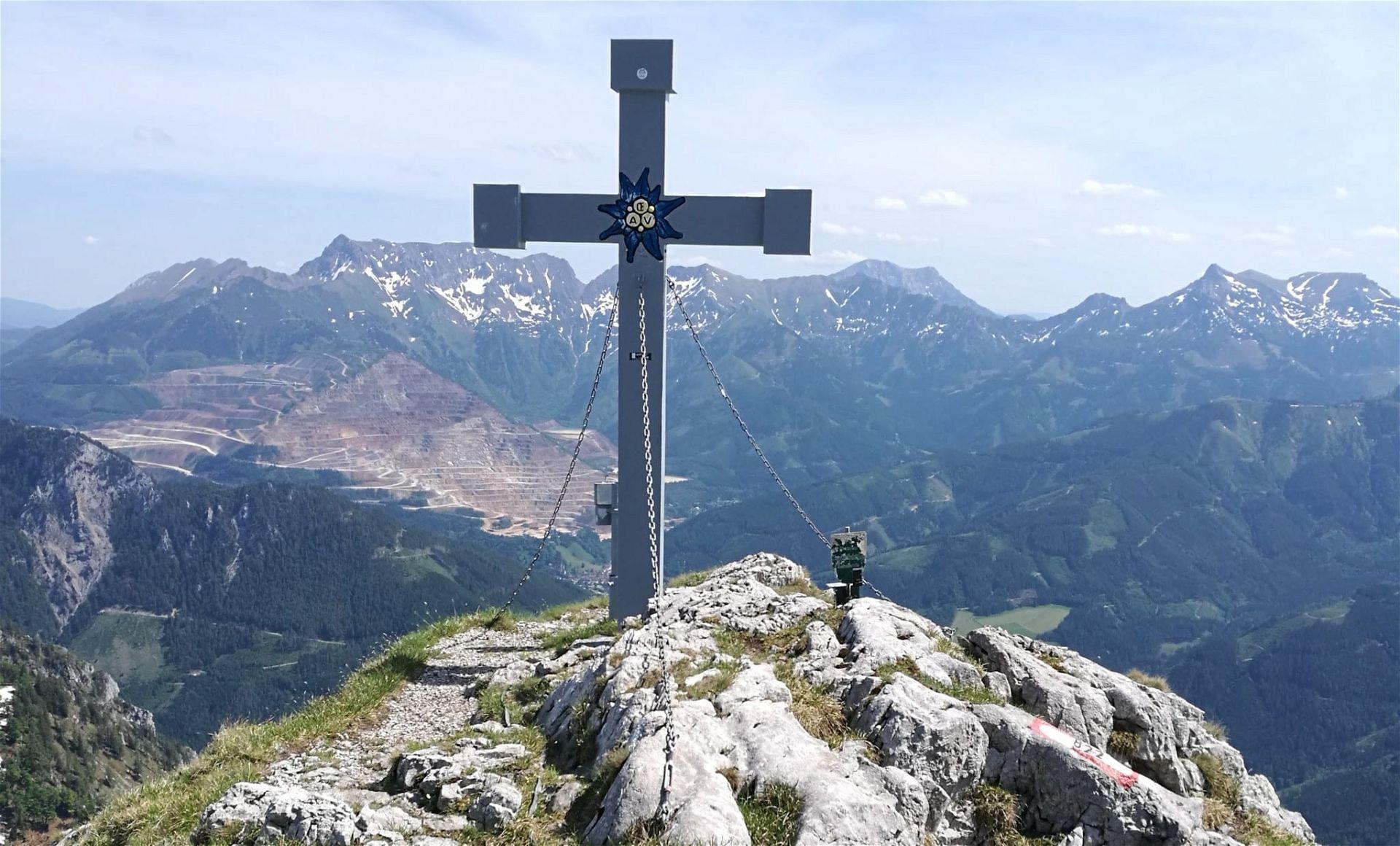 Gipfelkreuz Hochblaser 1.771 Meter