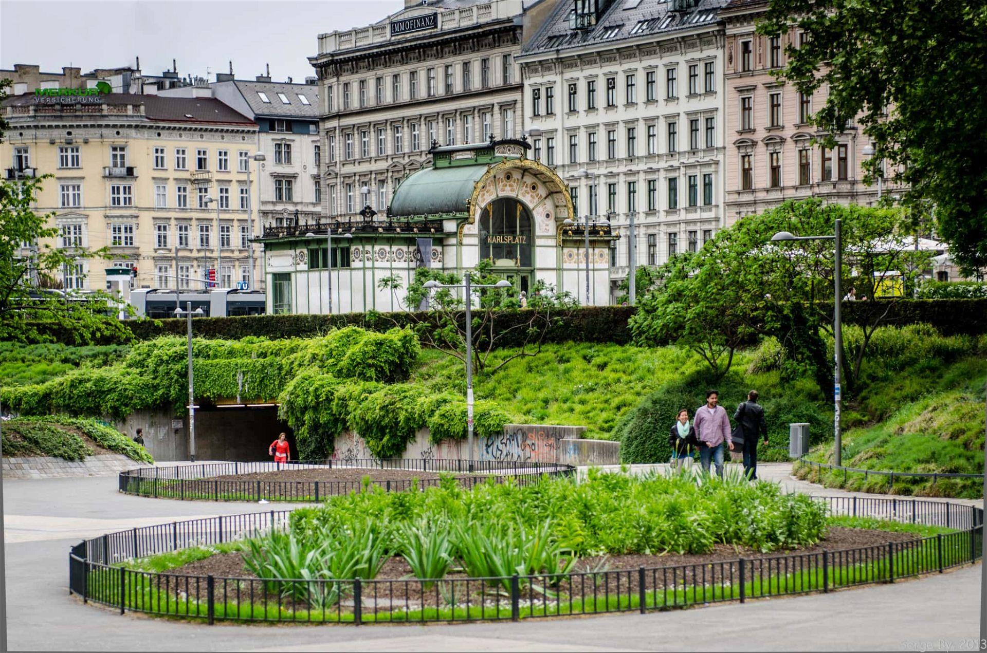 Karlsplatz Station Resselpark