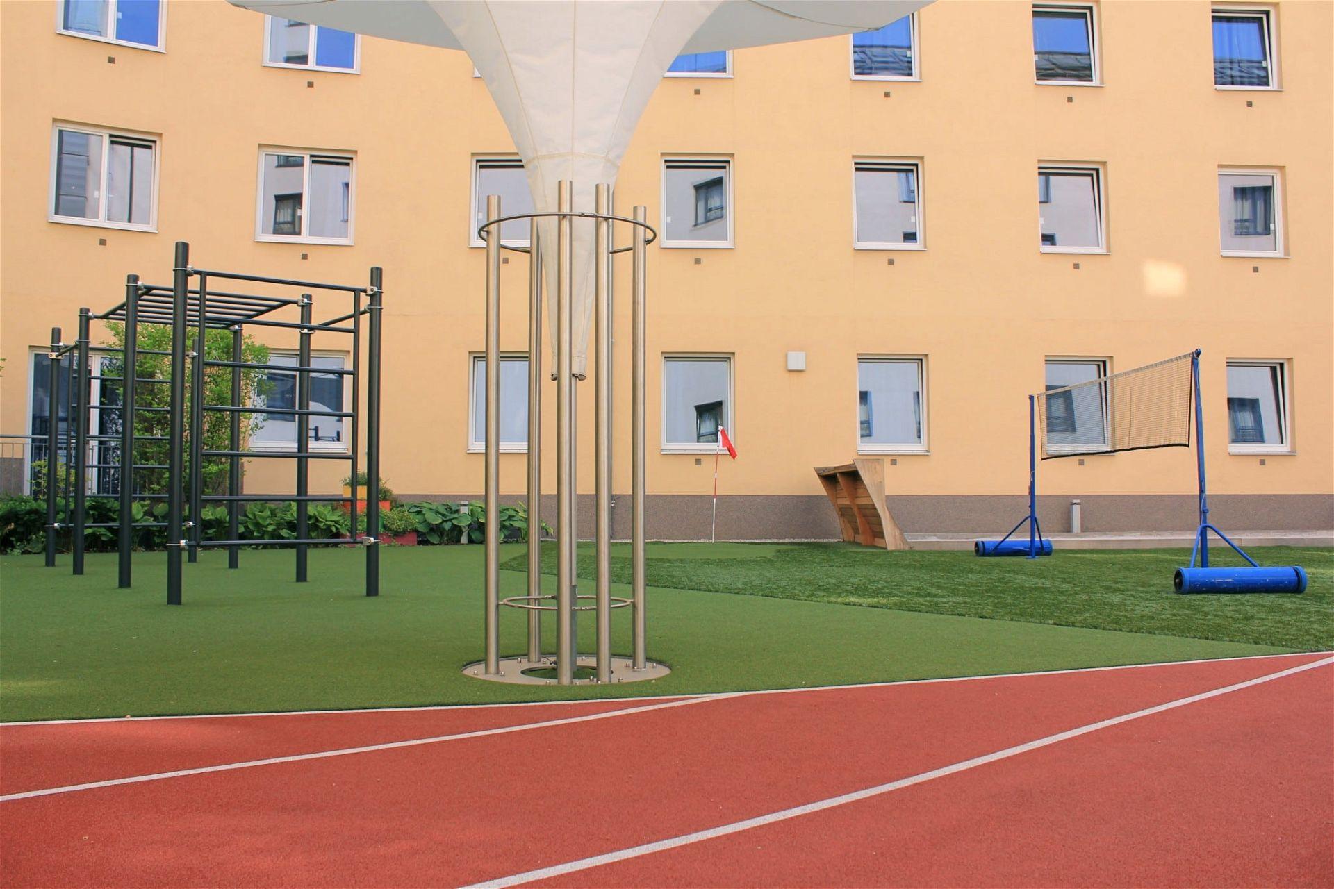 Outdoor-Training- und Spiele-Bereich