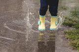 Regenstiefel Pfütze